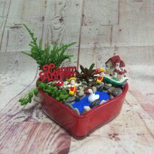 ısparta kalp vazoda terraryum çiçek siparişi