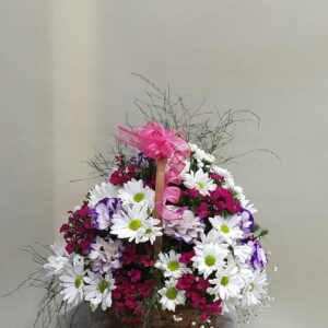 ısparta sepette renkli mevsim çiçekleri