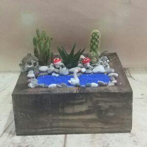 Isparta çiçekçi kare kutu teraryum